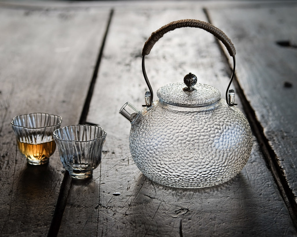 Hammered glass teapot cold brew