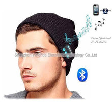 Load image into Gallery viewer, Winter Hat With Bluetooth Stereo & Phone - قبعة شتوية مع قابلية سماع الموسيقى