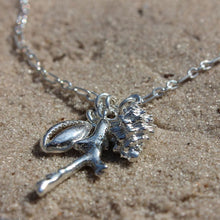 Load image into Gallery viewer, Sea Shells necklace