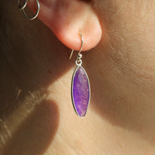 Load image into Gallery viewer, Petal Earrings