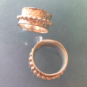 Spinning Ball Band Ring