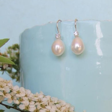 Bridesmaid Pearls