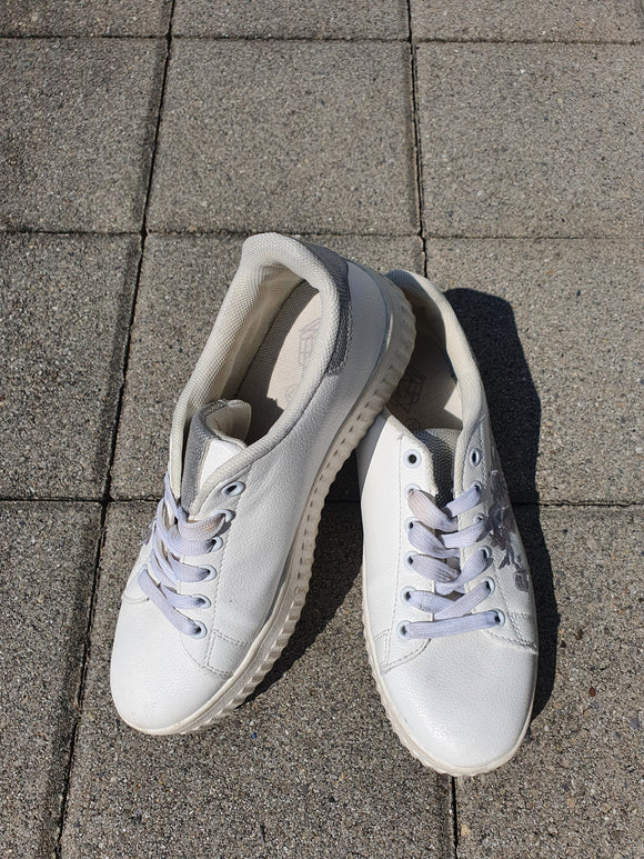 Basic Sneakers Grösse 37 - secondhandkiste.ch