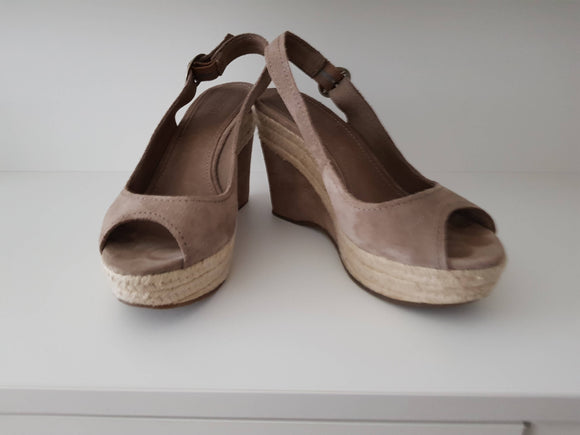 Peeptoe-Wedges (Grösse 37) - secondhandkiste.ch