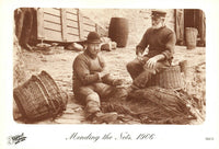 Cornwall Postcard, Fishermen Mending the nets, Looe 1906 (reproduction) EM2
