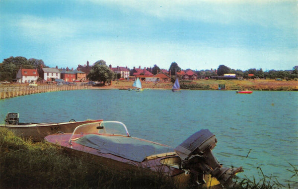 Essex Postcard, Boating Lake, Saint St Osyth, Water, Motor Boat, Sail Boat 8U