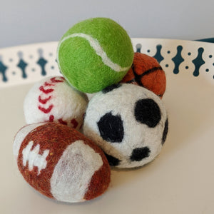 Wool dryer balls/juggling sets