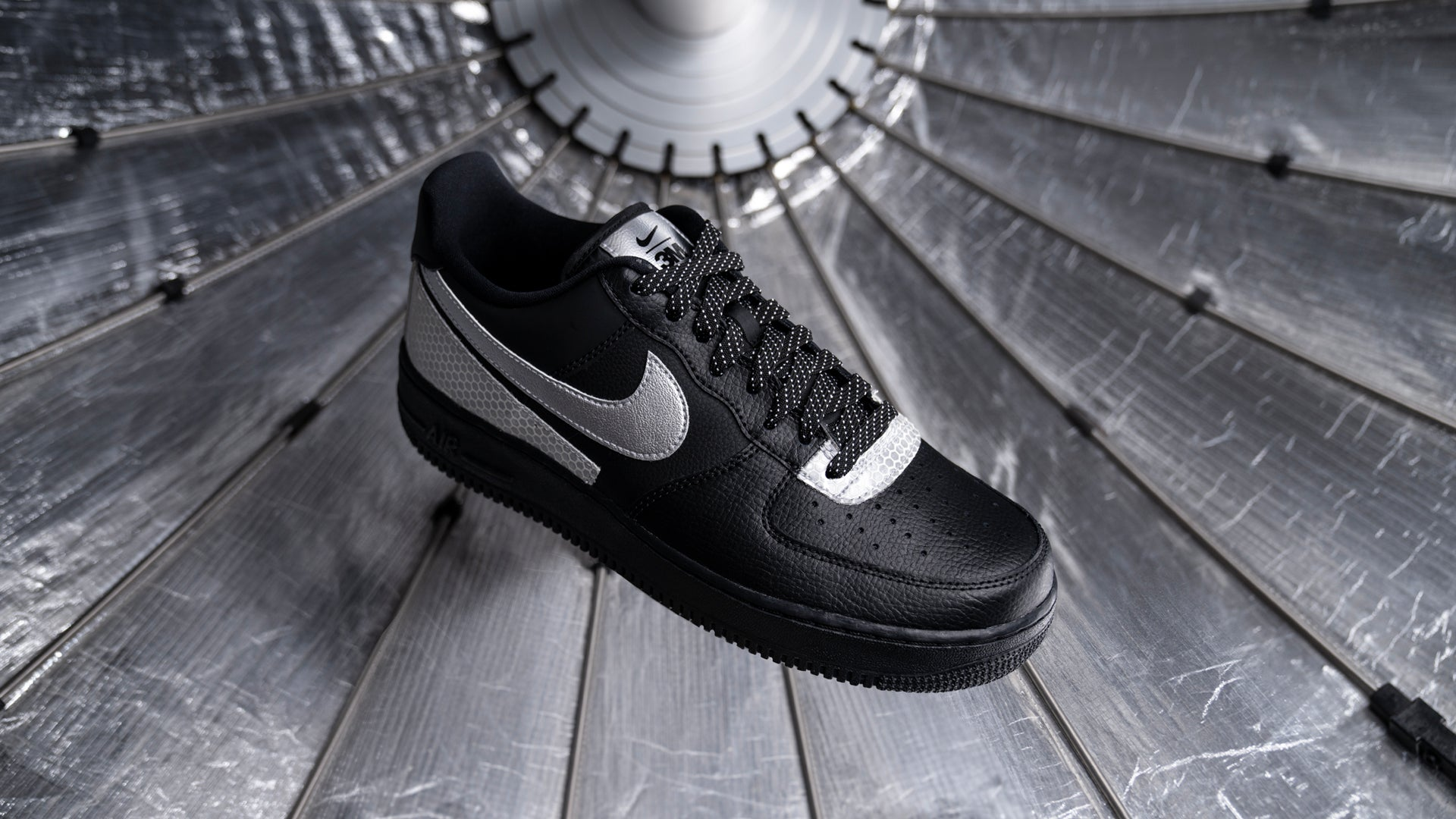 Dropkick Dropzone - Nike x 3M Air Force 1 LV8 Shoe