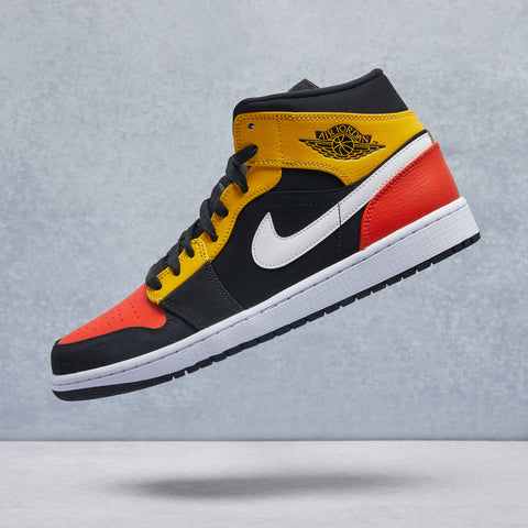 Air Jordan 1 Mid SE Shoe