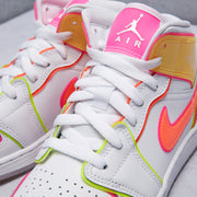 Air Jordan 1 Mid Edge Glow Shoe (Grade School)