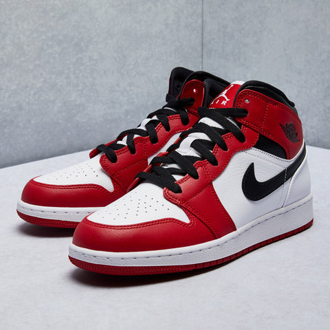 Air Jordan 1 Mid Shoe (Grade School)