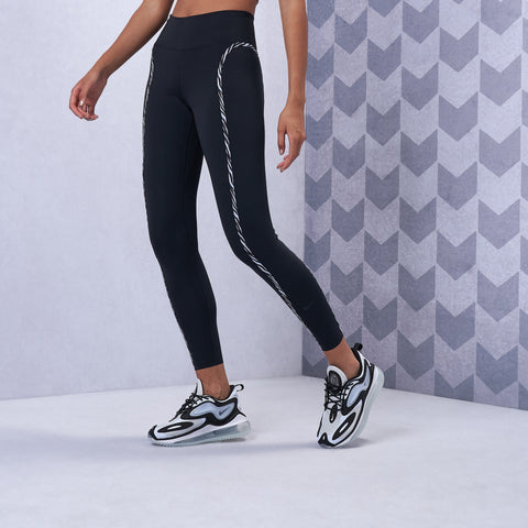 One Luxe Icon Clash Leggings