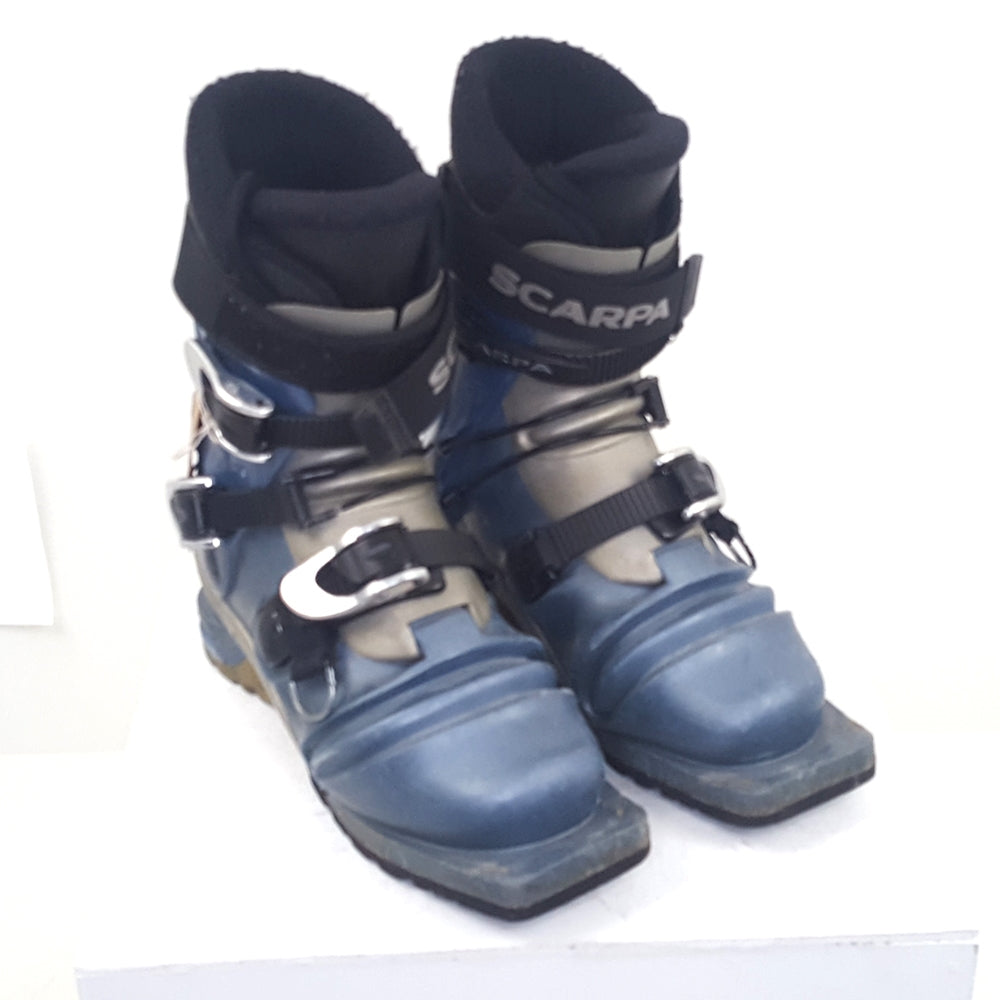 23.5 Scarpa T2 Women's (US Women's 6.5) - Used