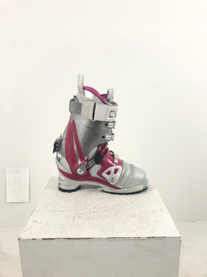 24.0 Scarpa Womens Tx Pro (Used)