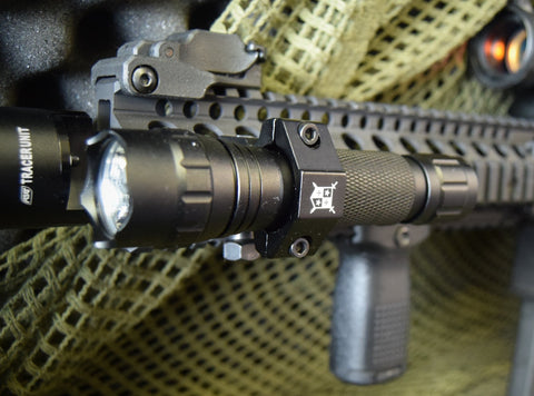 DELTA ARMORY DEFENDER SHIELD TACTICAL LIGHT