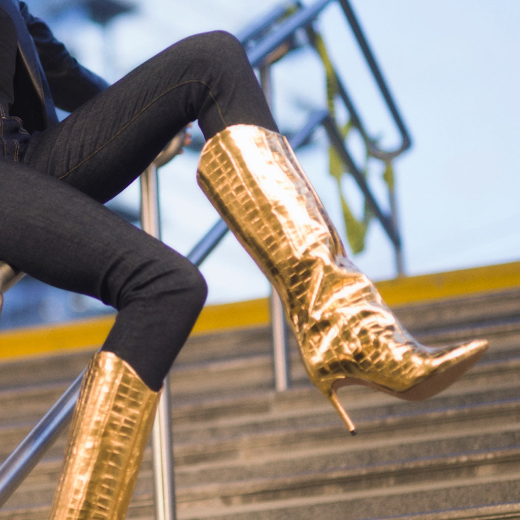 Maryana Boot in Ouro Gold