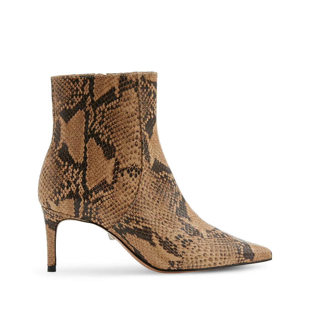 Bette Boot in Bette Boot