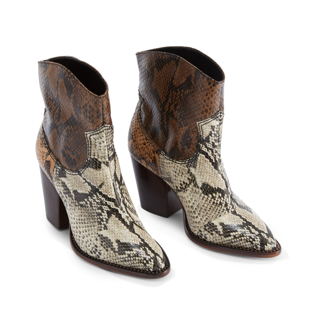Haven Boot in Bear Snake