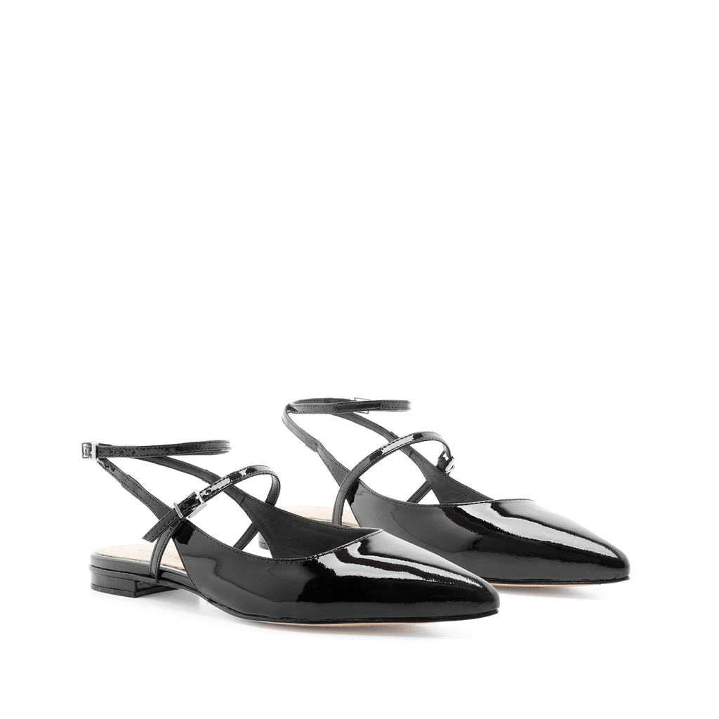 Helionora Flat in Black