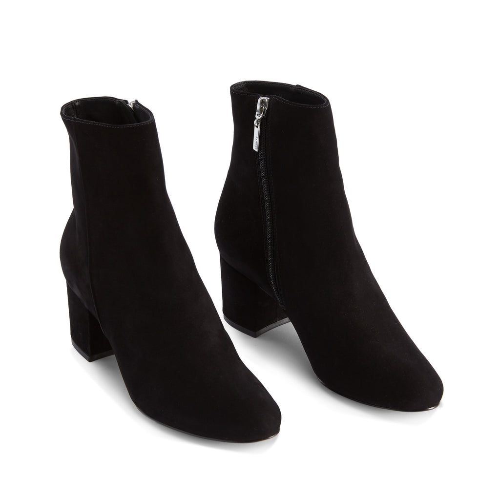 Lupe Boot in Black