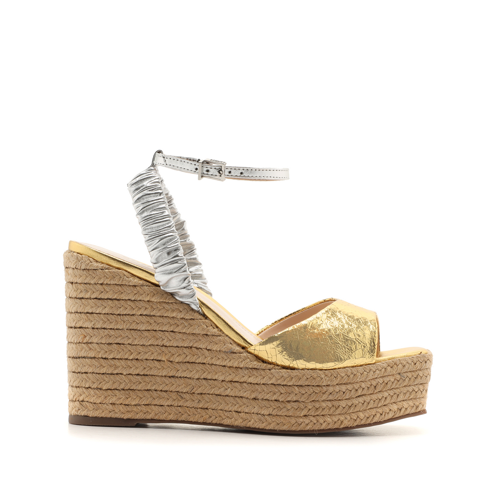 Outwest Wedge Sandal in Ouro Gold