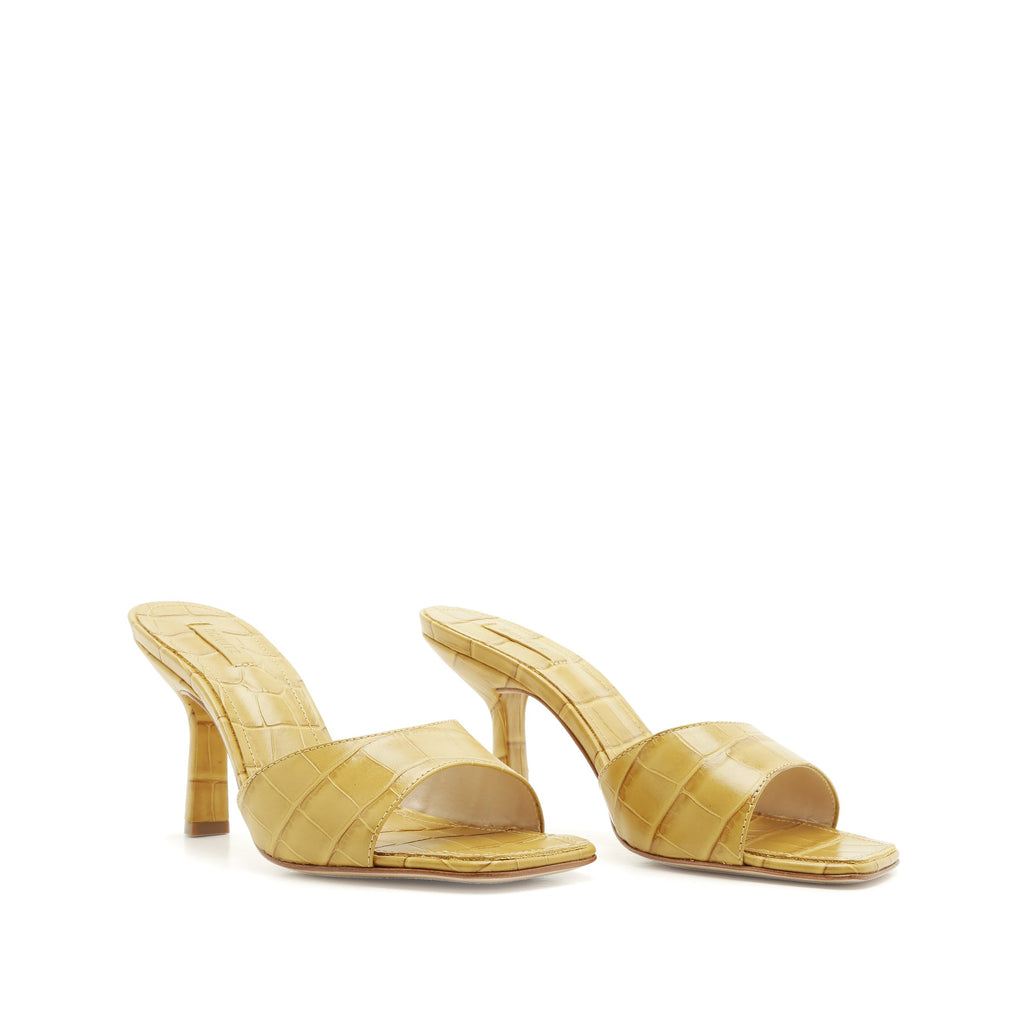 Posseni Sandal in Straw