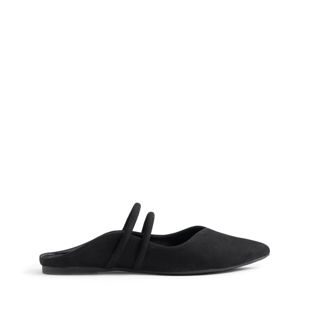 Cindreia Flat Mule in Black