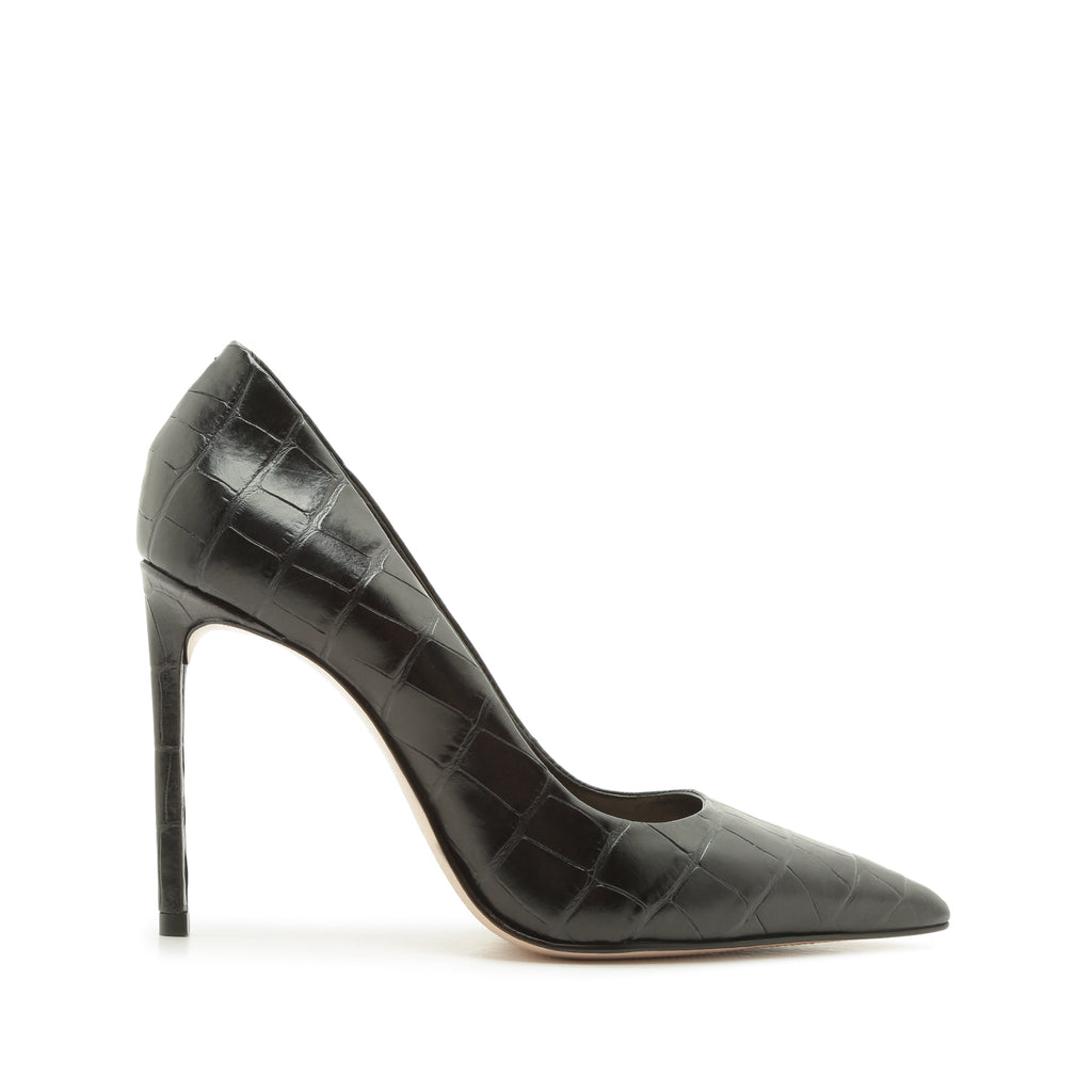 Lou Pump in Black