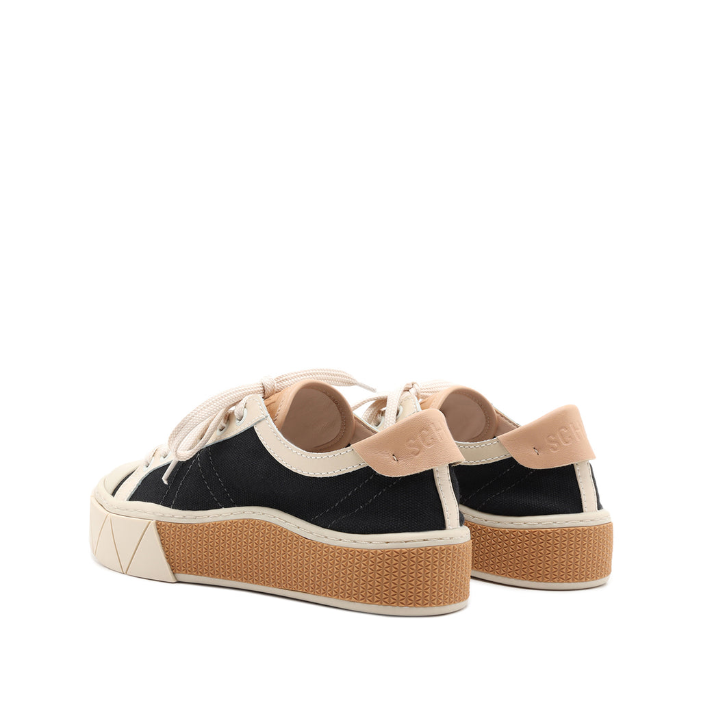 Gizella Sneaker in Black