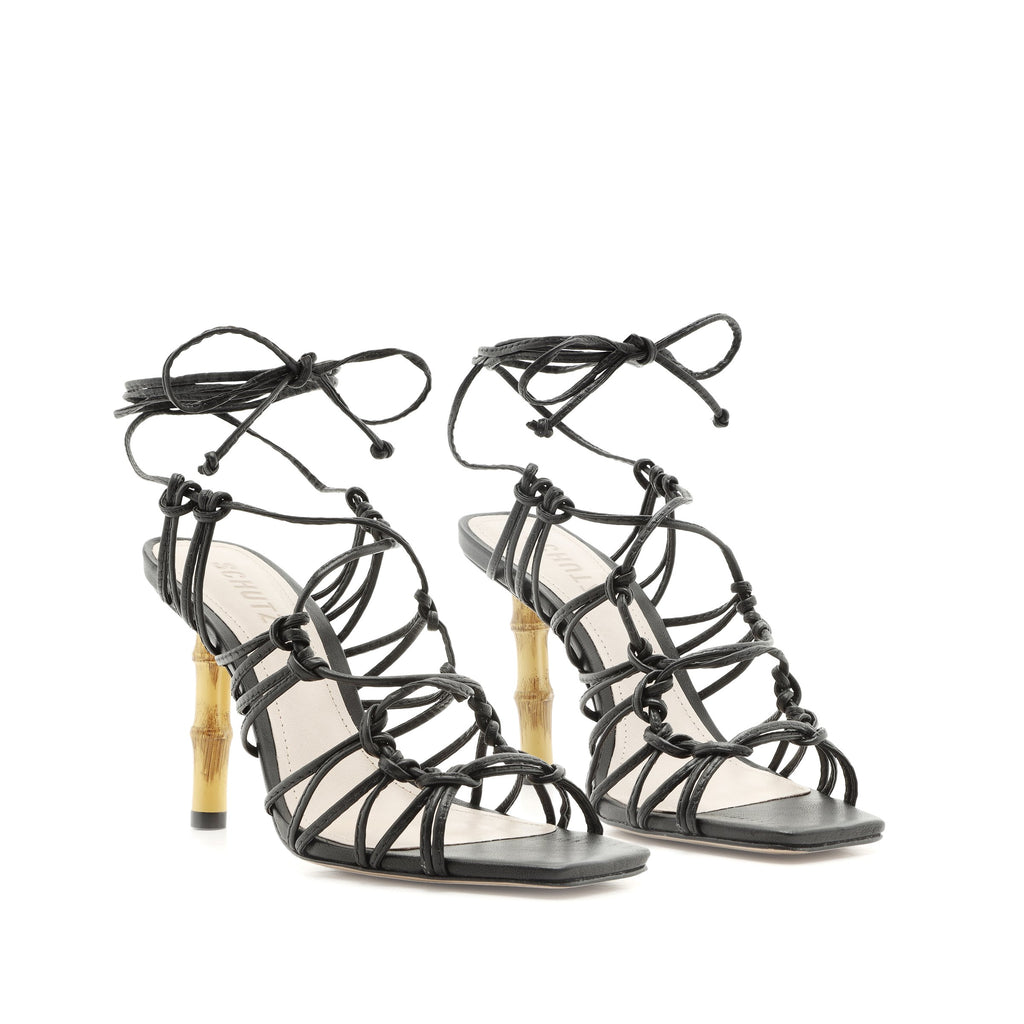 Savania Sandal in Black