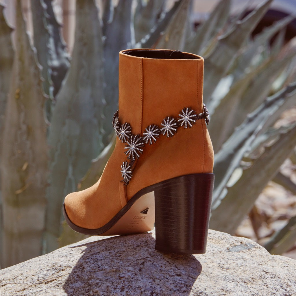 Teia Bootie in Rich Tan