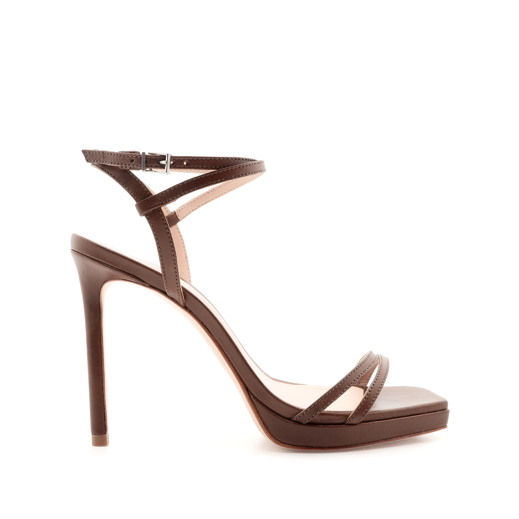 Tersa Sandal in Walnut