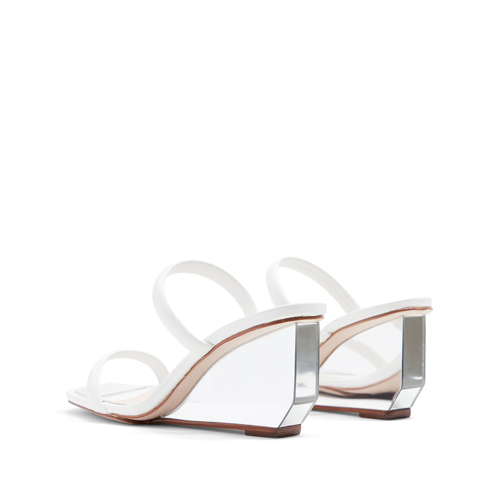 Daisy Leather Sandal in White