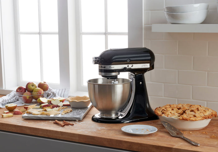Batidora de Pie con Cabezal Inclinable de 4.5 Cts. Classic ™ - KitchenAid