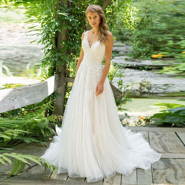 2019 Vestido De Noiva A-Line V Neck Wedding Dress Top Lace Appliques Bridal Dress Custom Made Wedding Gown Sweep Train
