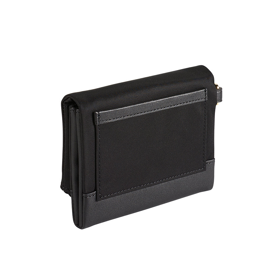 Tumi Nassau SLG Flap Card Case Sort