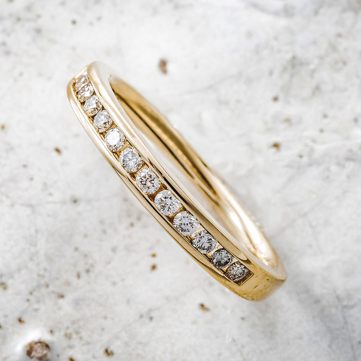 18ct Yellow Gold Diamond Round Channel Set Half Eternity Ring .25ct