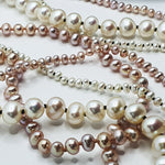 Load image into Gallery viewer, Contrasting White Pearl Knotted Necklace Lrg