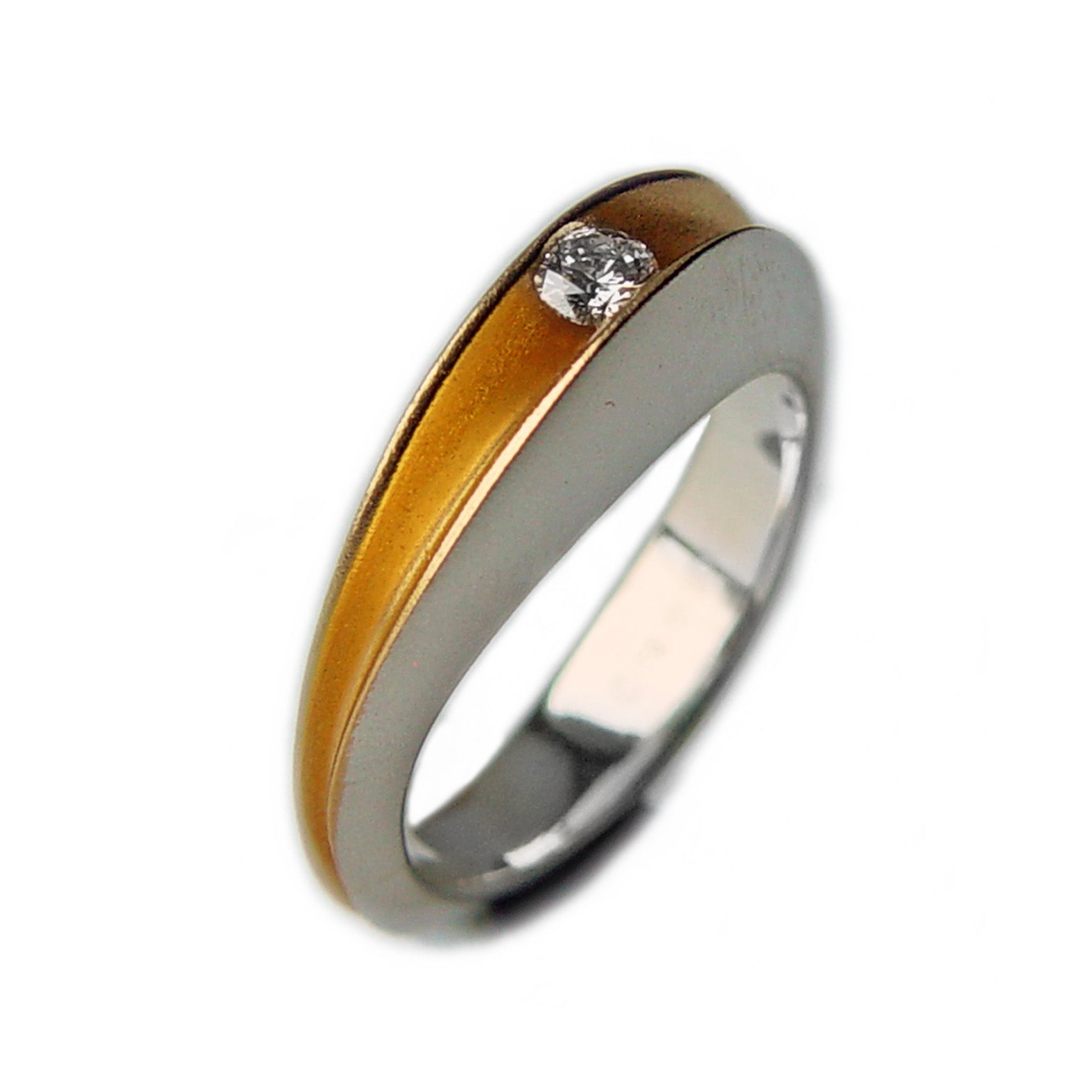 PF Trap Shell Ring with 10pt Diamond