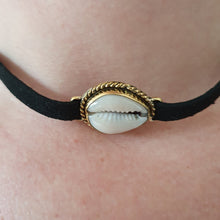 Laden Sie das Bild in den Galerie-Viewer, The Shell-Choker - Messing - Schmuck