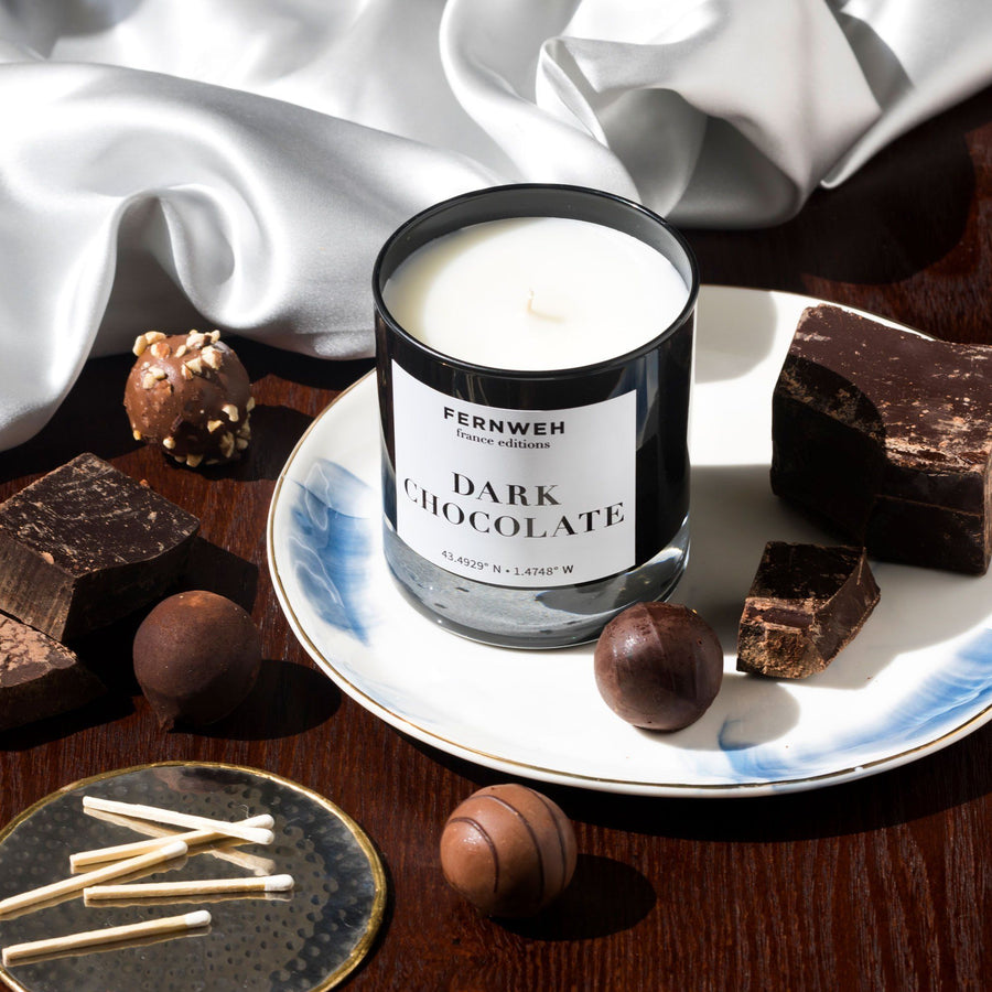 France: Dark Chocolate Candle - Fernweh Editions