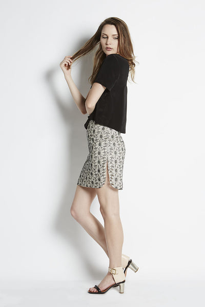 Embroidered Lace Pencil Skirt