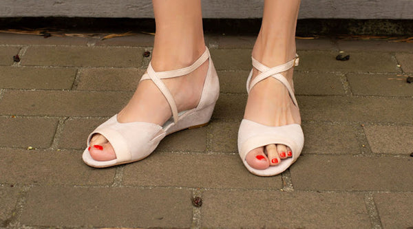 blogger influencer fashion wedge pink sandal beautiful bunion