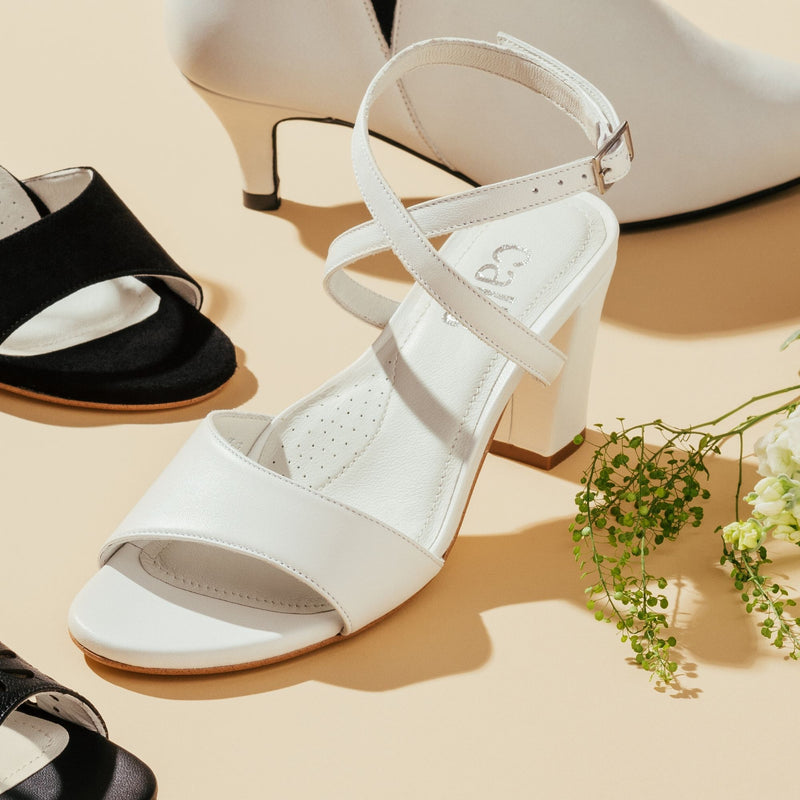 white leather sandals for bunions