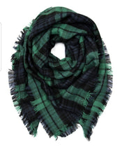 Load image into Gallery viewer, PLAID FRINGE BLANKET SCARF