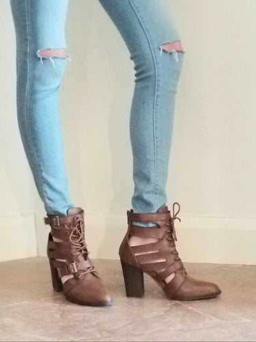 WOMENS STRAPPY BUCKLED ANKLE BOOTS