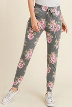 Load image into Gallery viewer, FLORAL PRINT JOGGER PANTS