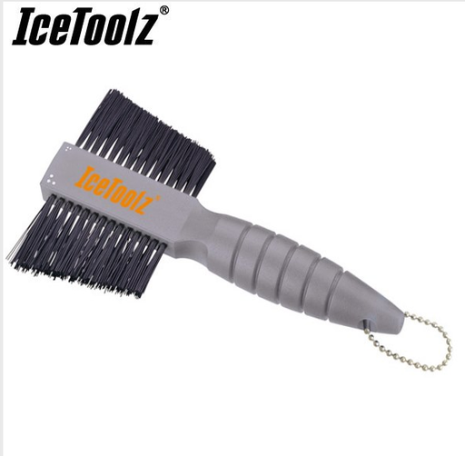 Two Way Cleaning Brush - IceToolz