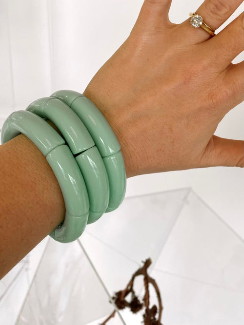 The Sutton Solid Acrylic Bracelet in Mint