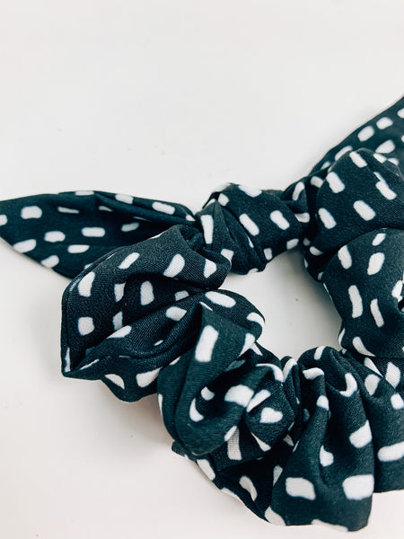 Dotted & Knotted Scrunchie